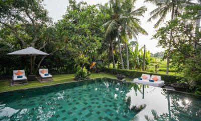 Mandira 17bed villa complex